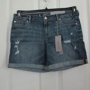 NWT - JENNIFER LOPEZ denim shorts - sz 8 - $44.00